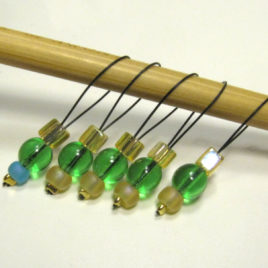 Green Grass glass beaded stitch markers